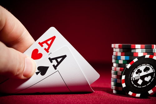 Playing Online Poker Gambling For Online Rewards